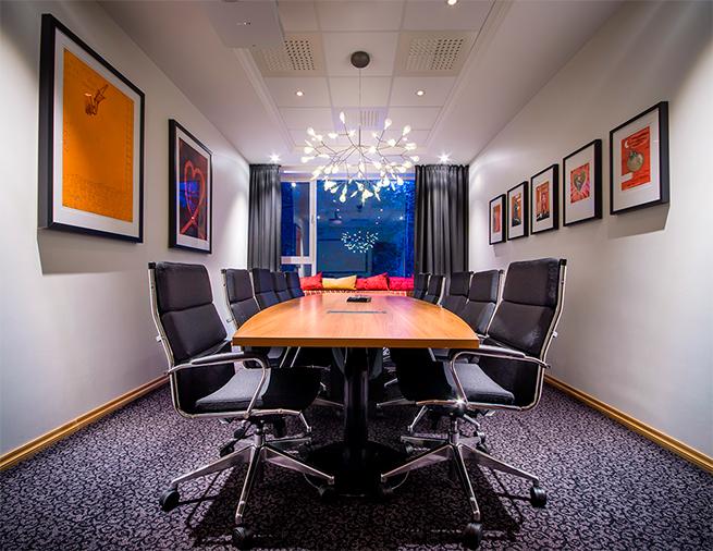 Et møterom av type styrerom, på Soria Moria Hotell og konferansesenter